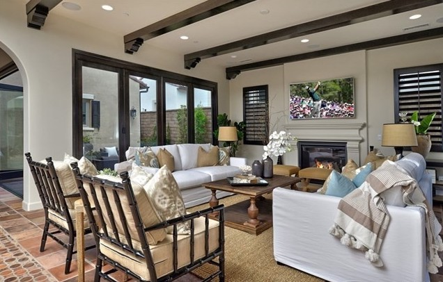 Home Staging Modern Mediterranean Living Room