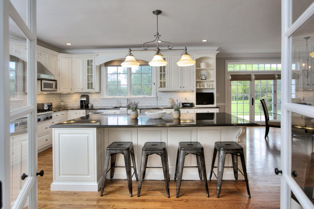 Home Staging Contemporary Kitchen