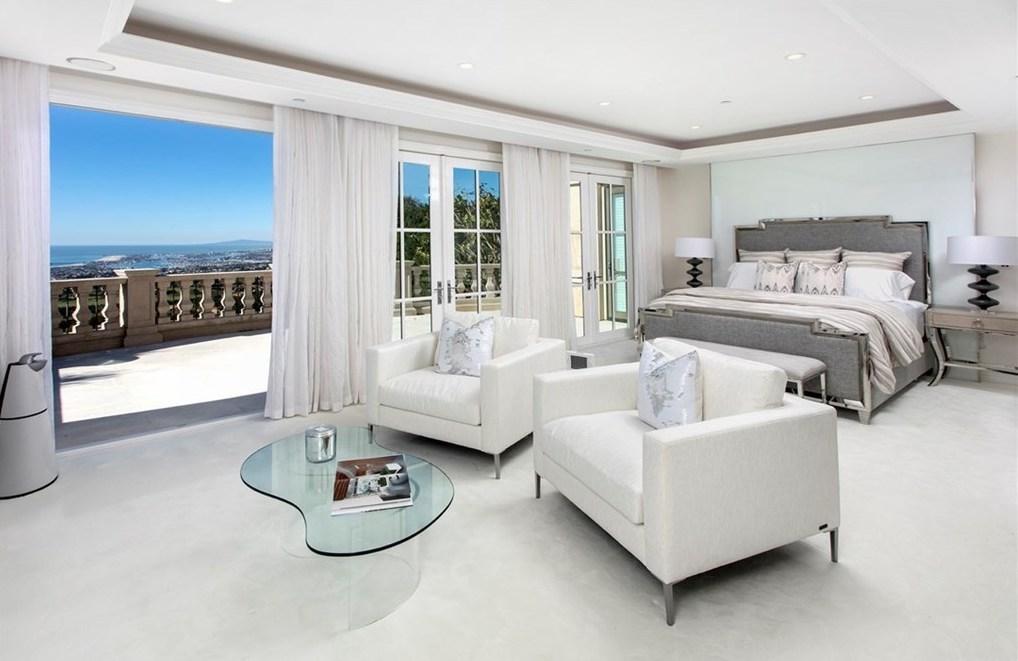 Home Staging Modern Bedroom