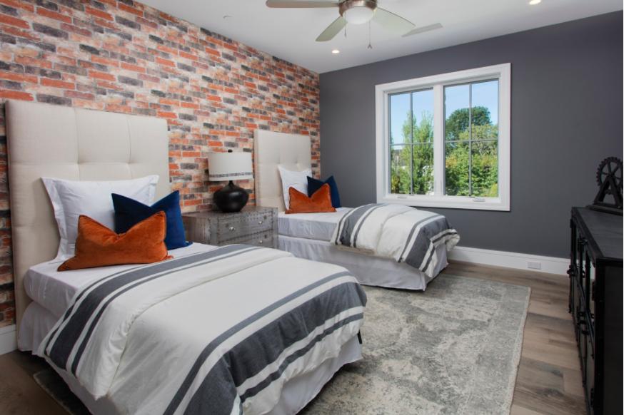 Home Staging Teen Bedroom