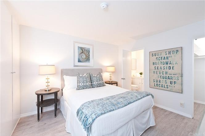 Home Staging Beach House Cottage Bedroom