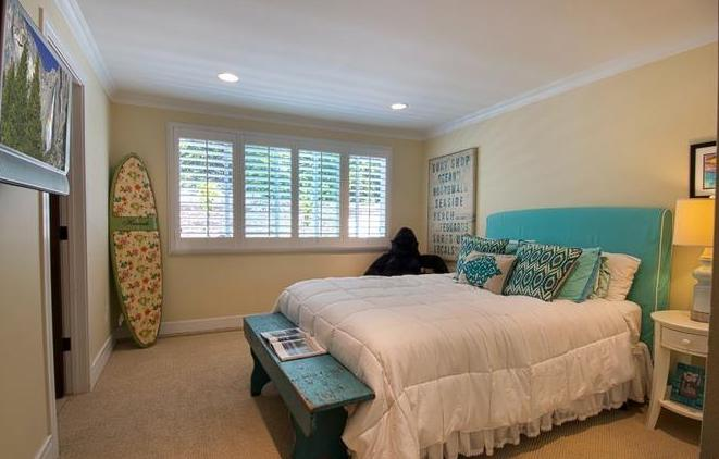 Home Staging Beach House Teen Bedroom