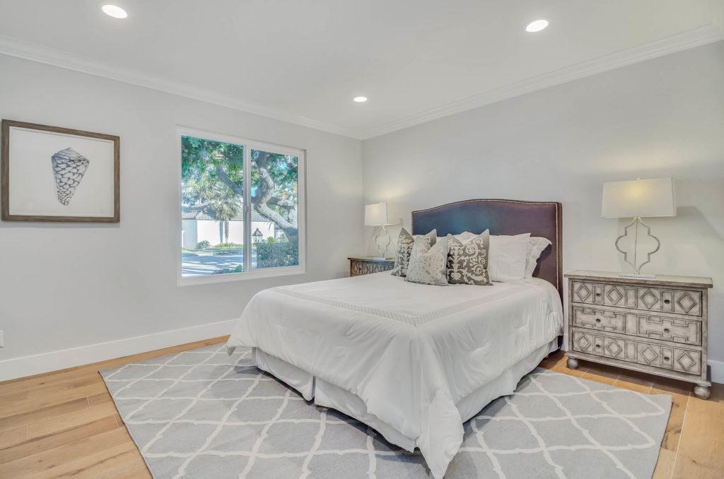 Home Staging Elegant Bedroom